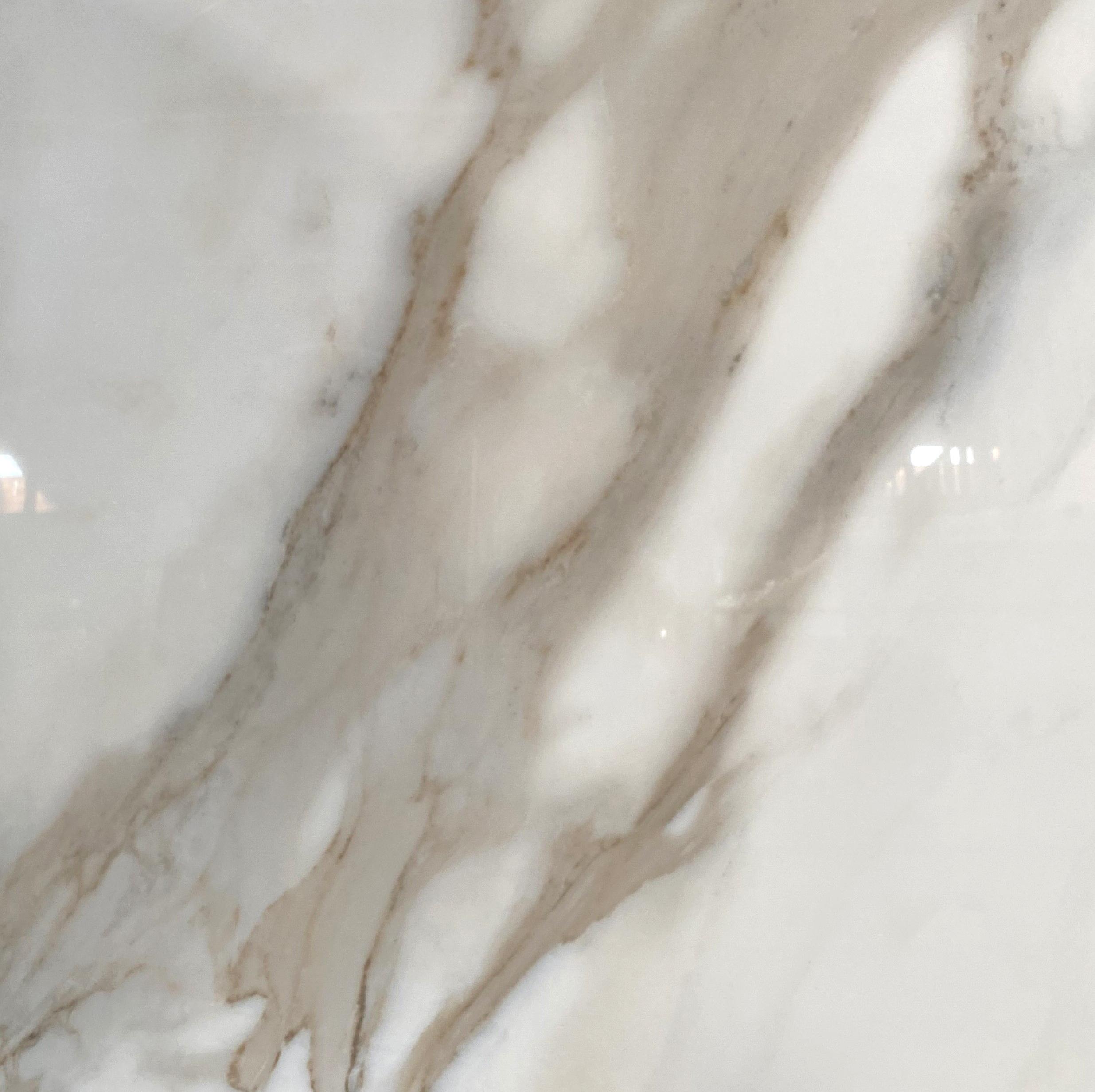 calacatta natural 36x36